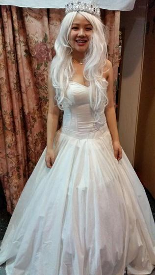 white gown 06
